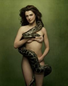 450_rachel-weisz-snake-snake-551635632