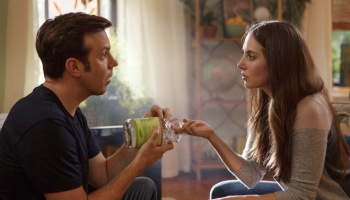How to be single with alison brie check out the red band trailer for sleeping with other people starring alison brie and jason ccuart Choice Image