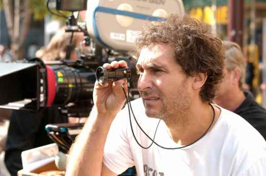 Director Doug Liman on the set of JUMPER.